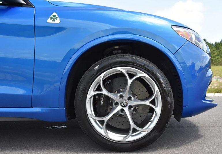 2020 alfa romeo stelvio quadrifoglio carbon ceramic brakes