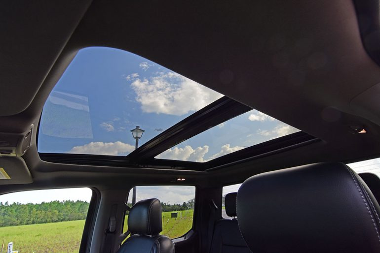 2020 ford f-250 super duty 7.3 V8 gasoline lariat sunroof