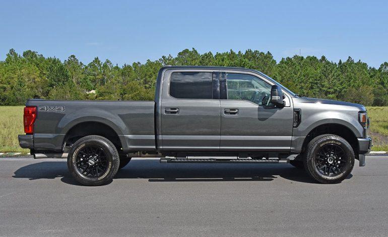 2020 ford f-250 super duty 7.3 V8 gasoline lariat side