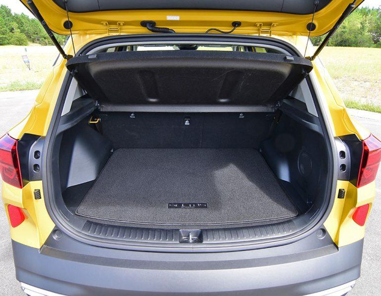 2021 kia seltos sx turbo awd cargo seats up