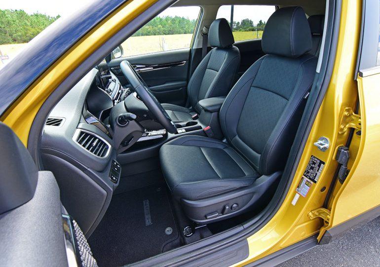 2021 kia seltos sx turbo awd front seats