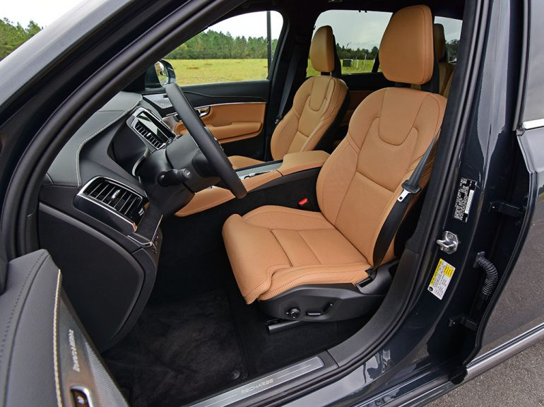 2021 volvo xc90 recharge t8 front seats