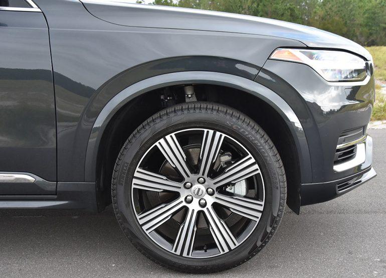 2021-volvo-xc90-recharge-t8-wheel-tire : automotive addicts