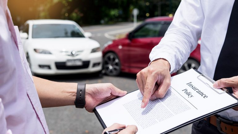 Everything You Should Know About Dealing with a Car Crash Insurance Adjuster