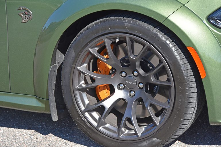 2021 dodge charger srt hellcat redeye wheel tire