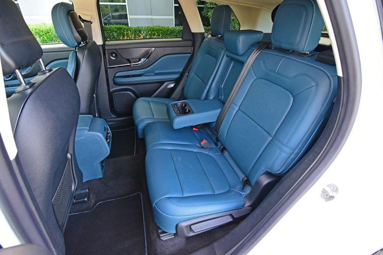 2021 lincoln corsair reserve rear seats