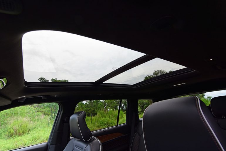 2021 jeep grand cherokee l summit reserve sunroof
