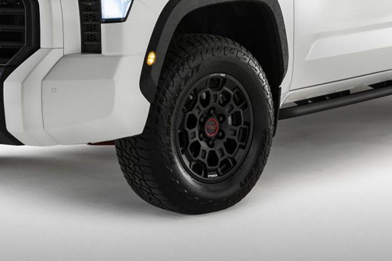 2022 toyota tundra wheel tire