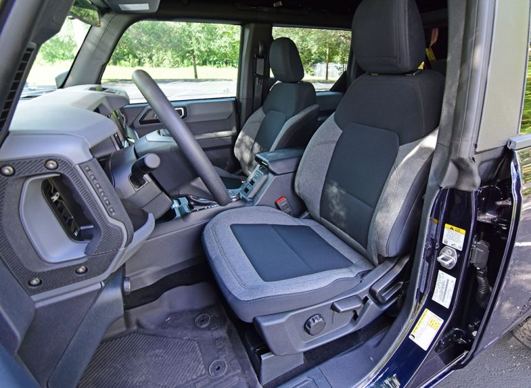 2021 ford bronco sasquatch front seats